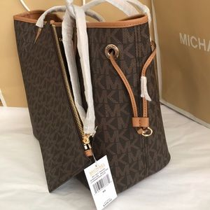 Michael Kors Bags - 🎇🌻mk tote/drawstring/large/shoulder bag/brown l